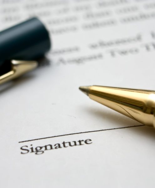 to-sign-a-contract-3-1236622